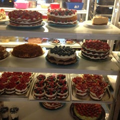 Photo taken at I Love Cake by User_Busy on 6/22/2013