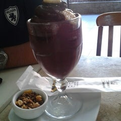 Photo taken at Cafeteria Elisée by Ma Rocio C. on 2/25/2013