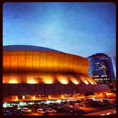 Photo taken at Mercedes-Benz Superdome by Divine Prince T. on 11/30/2012