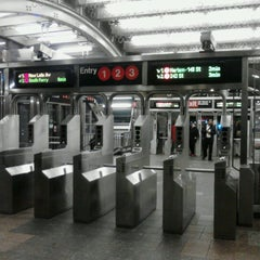 Photo taken at MTA Subway - 96th St (1/2/3) by 0zzzy on 10/18/2012