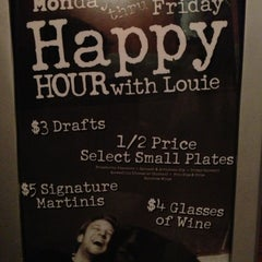 Photo taken at Bar Louie Orlando by FloridaThrillParks.com on 10/9/2012