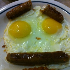 Photo taken at IHOP by Brian on 11/3/2012