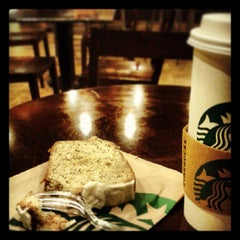 Photo taken at Starbucks by Alejandro N. on 7/24/2013