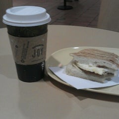 Photo taken at Panera Bread by Оксана К. on 12/16/2012