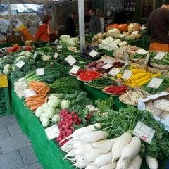 Photo taken at Viktualienmarkt by Dmitry B. on 9/18/2012
