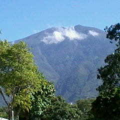 Photo taken at Parque Generalísimo Francisco de Miranda by jonathan g. on 9/22/2012