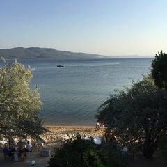 Photo taken at Pinar Otel beach club by Aziz Ç. on 7/24/2015