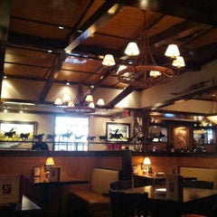 Photo taken at LongHorn Steakhouse by Tammy S. on 11/23/2012