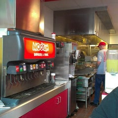 Photo taken at MOOYAH Burgers, Fries & Shakes by Carmen C. on 9/16/2012