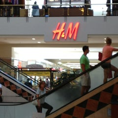 Photo taken at Crabtree Valley Mall by Frankie Galarza T. on 5/26/2013