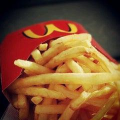 Photo taken at McDonald's by Hernane A. on 9/18/2012