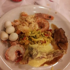 Photo taken at Villas Churrascaria by Luciana S. on 11/8/2012