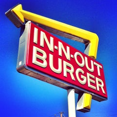 Photo taken at In-N-Out Burger by Matthew G. on 3/11/2013