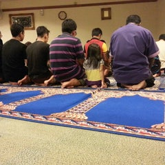 Photo taken at Surau KLCC by Aznijar A. on 10/12/2014