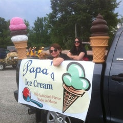 Photo taken at Papa's Ice Cream by Vanessa V. on 9/19/2012