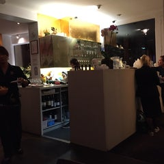 Photo taken at Thai Pot by Choco 5. on 10/23/2014