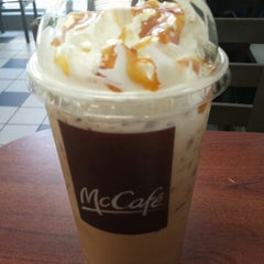 Photo taken at McDonald's by Capu M. on 5/20/2014