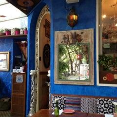 Photo taken at Zazá Bistrô Tropical by Akira H. on 12/8/2012