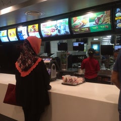 Photo taken at McDonald's by Mohamad F. on 7/22/2015