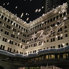 Photo taken at The Peninsula Hong Kong 香港半島酒店 by ronnie on 1/5/2013