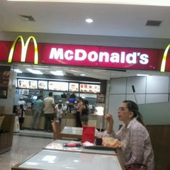 Photo taken at McDonald's by Serginho M. on 10/9/2012