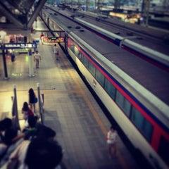 Photo taken at 서울역 (Seoul Station - KTX/Korail) by Kwantae K. on 8/9/2013