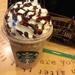 Photo taken at Starbucks (สตาร์บัคส์) by Rilak K. on 10/20/2012