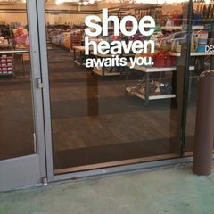 Photo taken at DSW Designer Shoe Warehouse by Leslie H. on 2/14/2013