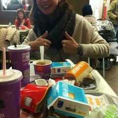 Photo taken at McDonald's by Léana R. on 11/9/2012