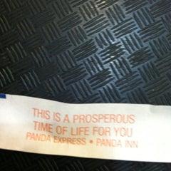 Photo taken at Panda Express Gourmet Chinese Food by Daniel Levi B. on 11/15/2012