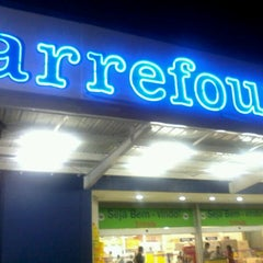 Photo taken at Carrefour by Thiago F. on 10/11/2012