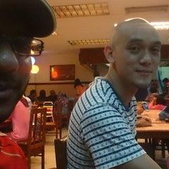Photo taken at Alissara Thai Cuisine by Joe D. on 6/17/2015