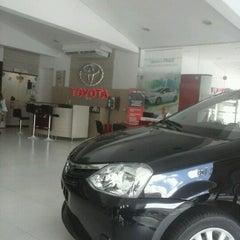 Photo taken at Carvalho & Filhos (Toyota) by Pedro P. on 6/3/2013