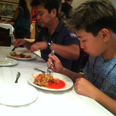 Photo taken at Restaurante Dragon Center by Max S. on 3/24/2013
