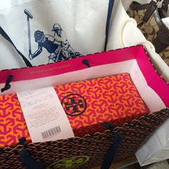 Photo taken at Tory Burch - Outlet by CrïXïna T. on 9/1/2014