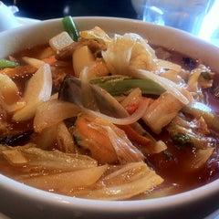 Photo taken at Red Lantern by Yonghwi L. on 10/25/2012
