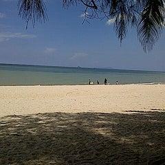 Photo taken at Sri Pantai Chalet Melawi, Bachok by Aliff R. on 6/2/2013
