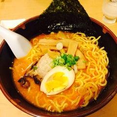 Photo taken at Miki Restaurant by Samantha L. on 8/22/2014