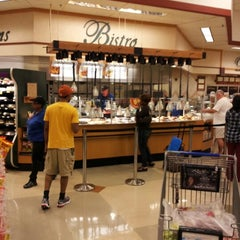 Photo taken at Kroger by Kirby 👉💔👈 on 10/16/2012