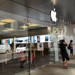 Photo taken at Apple Store, Perth City by Daniel C. on 3/22/2013