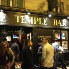 Photo taken at Little Temple Bar by Tenahe F. on 10/13/2012