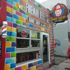Photo taken at Fireman Derek's World Famous Pies by Omar T. on 6/21/2015