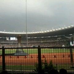 Photo taken at Kompleks Gelora Bung Karno by Iha K. on 11/18/2012