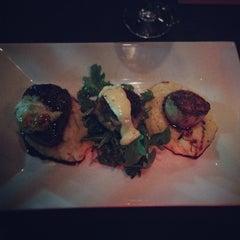 Photo taken at MetroPrime Steakhouse by Kenna on 4/6/2014