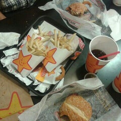 Photo taken at Carl's Jr. by Rosa O. on 7/20/2013