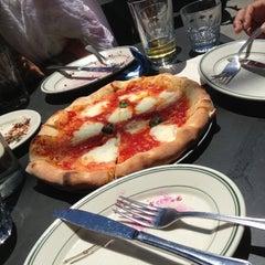 Photo taken at Pizzeria Delfina by Mihoo on 5/18/2013