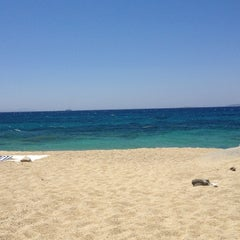 Photo taken at Παραλία Πλάκας (Plaka Beach) by Frank O. on 7/3/2013