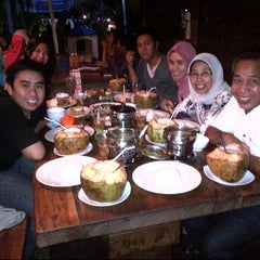 Photo taken at Dapur Penyet by Ali A. on 7/12/2013