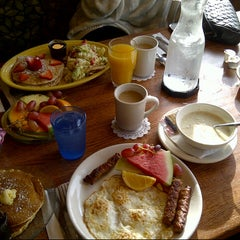 Photo taken at Blueberry Hill Breakfast Cafe by Tamara on 11/25/2012