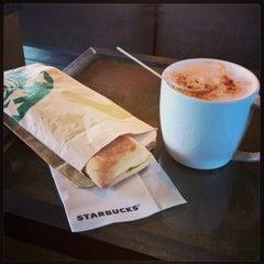 Photo taken at Starbucks by Pegre on 3/10/2015